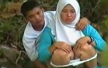 Horny Arab couple caught outdoors